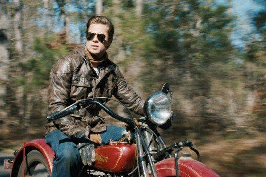 Возможно, теперь мотоциклист Брэд Питт станет танкистом
