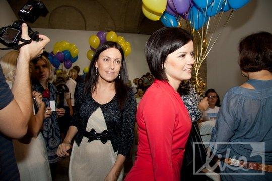 Телеведущая Маричка Падалко (справа)