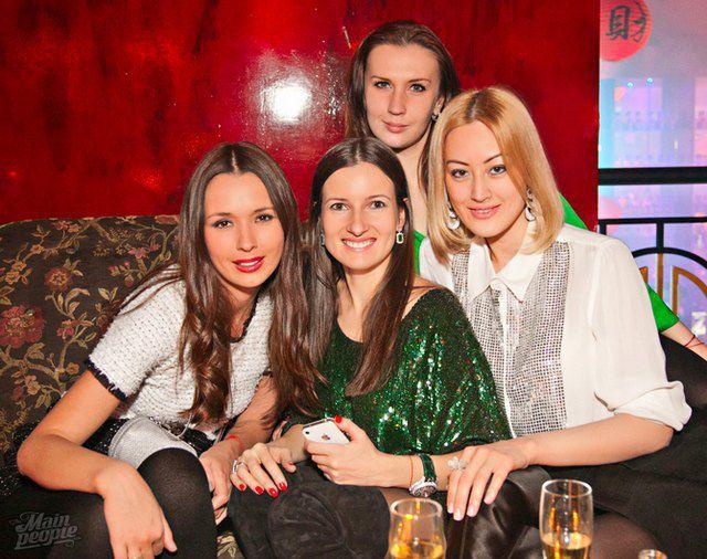 Елизавета Ющенко с подружками