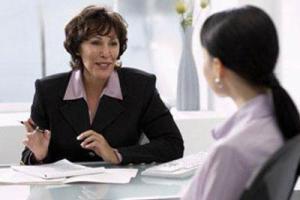 Женщину уволили с работы, когда она отдала начальнице почку