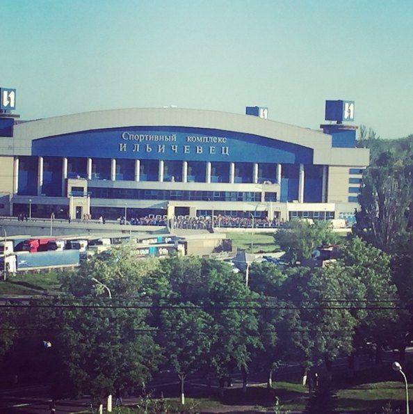 """Спорткомплекс """"Ильичевец"""", в котором проходил концерт"""