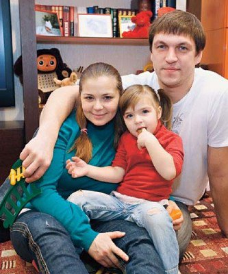 Теперь Дмитрий Орлов хочет отсудить у Пеговой их маленькую дочь