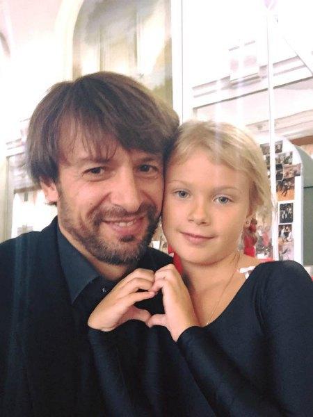 Александр Шовковский с дочкой Сашенькой