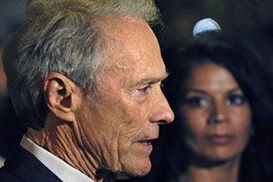 Жена Клинта Иствуда отбирает у него дочь через суд
