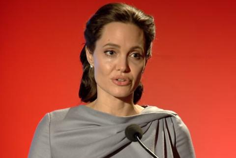 Анджелина Джоли снова готовится к операции