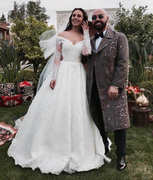 Джамала с дизайнером своего платья Бичолой Тетрадзе