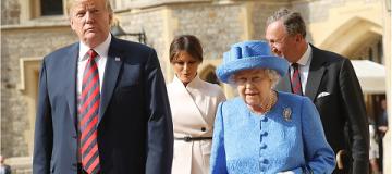 Фешн-расследование: Как королева Елизавета выразила свое отношение к Трампу