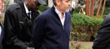 Джорджа Клуни арестовали за участие в митинге