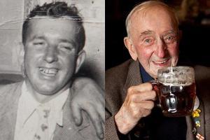 В Англии алкоголика наградили за 72-летнюю верность одному бару