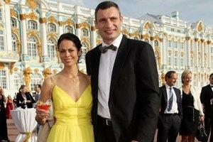 Жена Кличко поставила крест на красивой свадьбе