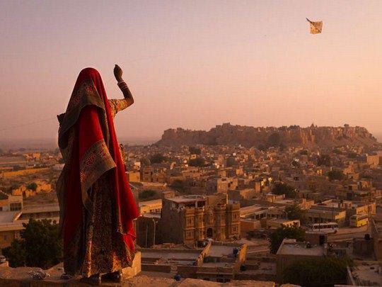 Девушка и воздушный змей, Индия