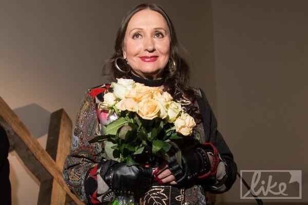 """Лариса Кадочникова, сыгравшая главную роль в фильме """"Тени забытых предков"""", в этот вечер просто сияла. Трудно поверить, что в фильме Параджанова она снималась более пятидесяти лет назад"""