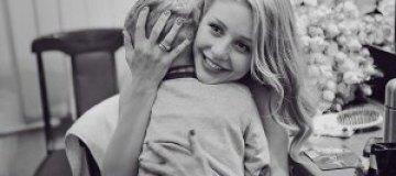 Тина Кароль очень хочет, чтоб ее сын стал пономарем