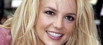 Экс-жениху Бритни Спирс запрещено к ней приближаться