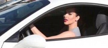 Ким Кардашьян купила Ferrari за $300 тыс.