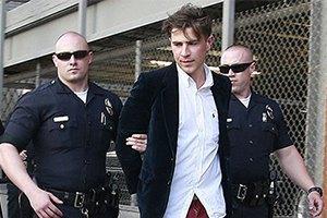 Седюк выиграл суд, уверяя что не давал пощечину Брэду Питту