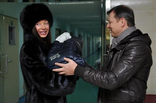 Кума Олега Юлия. Бронислава с детства приучают к брендам.