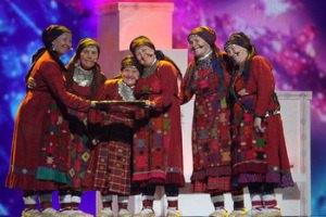 """Дед Мороз пригласил """"Бурановских бабушек"""" на день рождения"""