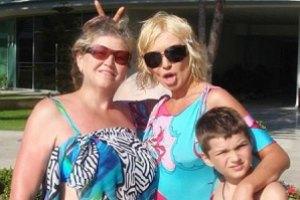 Мама Егоровой мечтает о семерых внуках