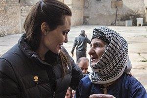 Анджелина Джоли рассказала, как насилуют детей в Ираке