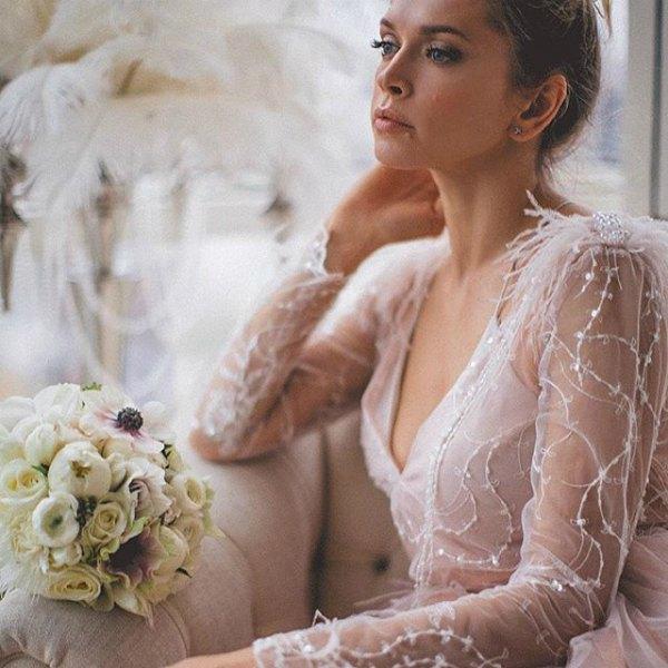 Вера Брежнева только снималась в образе невесты, а свою свадьбу хранила в секрете