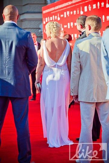 Виктория и Сергей Тигипко на красной дорожке ОМКФ-2012