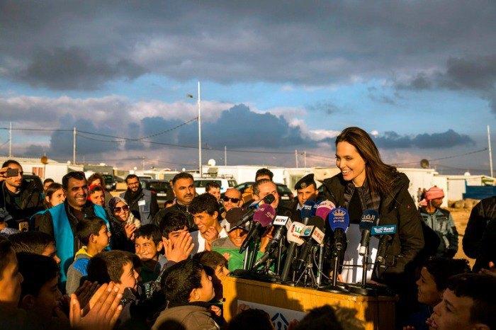 Актриса призвала мировое сообщество прекратить войну в Сирии