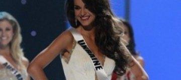 Олеся Стефанко стала первой вице-мисс Вселенной