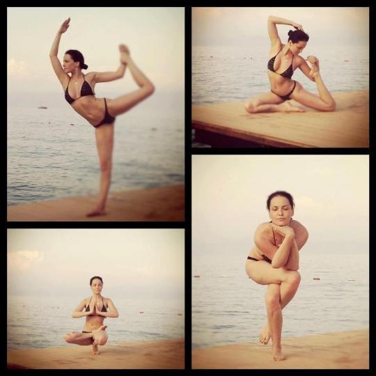 Даша Астафьева показала гибкое тело