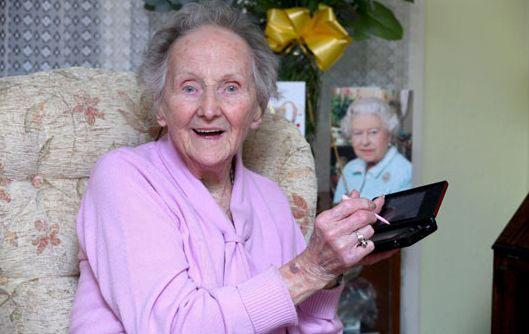"""100-летняя Кэтлин (Кит) Коннелл, является настоящей """"королевой Nintendo"""""""
