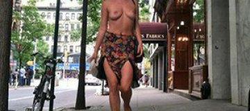 Дочь Деми Мур и Брюса Уиллиса показала голую грудь в знак протеста