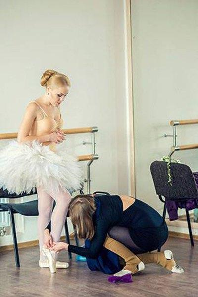 Отлизал у балерины #13
