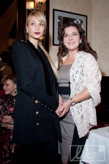 Ольга Янукович (слева) и пресс-секретарь Виктора Януковича-младшего Лидия Шевченко (справа)
