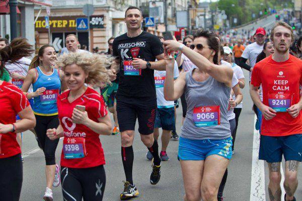 Виталий Кличко лично поддержал благотворительный забег