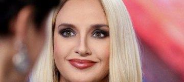 Как подменили: Оксана Марченко удивила юным лицом и новым цветом волос