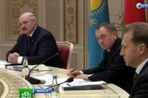Лукашенко по ошибке сел в кресло Путина
