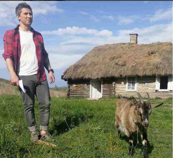 Пока коза гипнозу не поддается, но Педан не сдается!