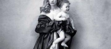 Водянова с младенцем, Серена Уильямс с целлюлитом и Эми Шумер топлесс снялись в новом календаре Pirelli