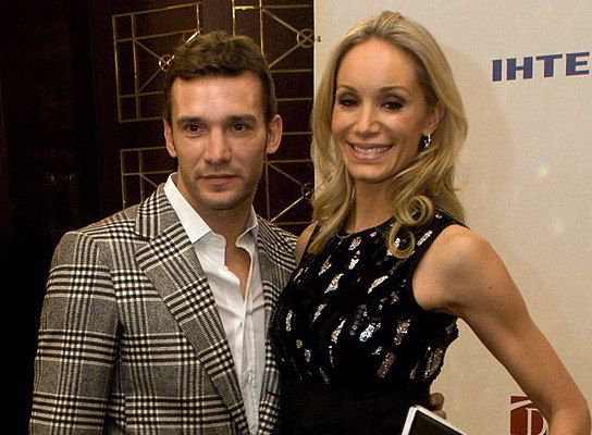 Шевченко с женой в 2009 году