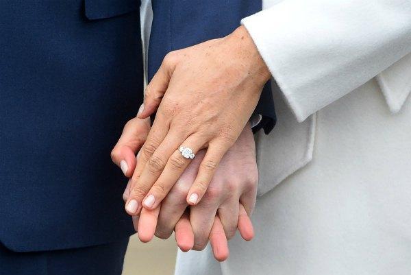 Принц Гарри сам придумал дизайн кольца, которое подарил Меган, делая предложение
