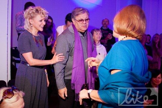 Илья Ноябрев с молодой супругой и Мариной Кинах