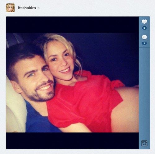 Беременная Шакира с футболистом Жераром Пике