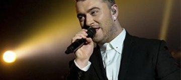 Сэм Смит отменил концерты из-за кровоизлияния в горле