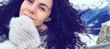 Настя Каменских без макияжа показала, как пьет в Куршевеле с подругой