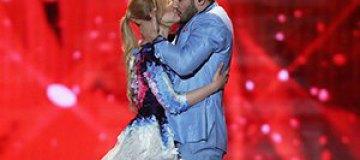 """""""Евровидение 2015"""": Участники из Литвы страстно целовались на сцене"""