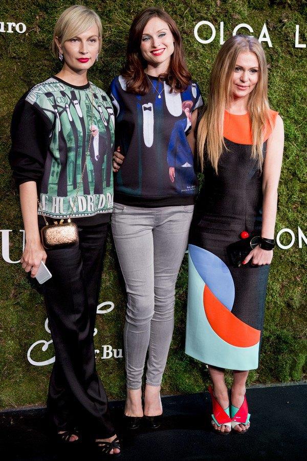 Главный редактор Vogue Ukraine Маша Цуканова, Софи Эллис-Бекстор и художница Ольга Ломака