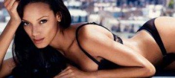 Американка Селита Ибэнкс снялась в белье для российского FHM