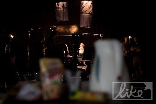 "Обстановка на съемке клипа ""Дівчинка с кафешки на метро Либідська"""