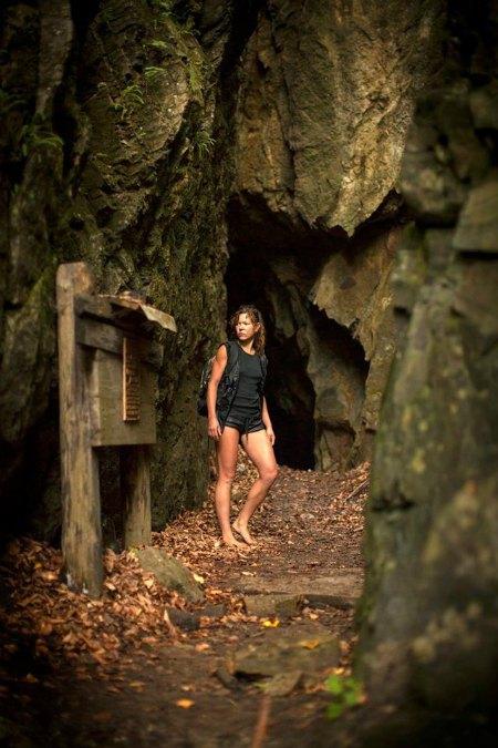 Руслана в Даж-Божьей пещере
