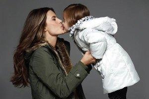 Алессандра Амбросио снялась в рекламе с четырехлетней дочкой